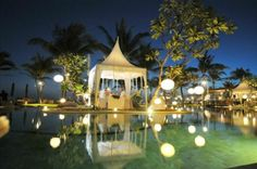How amazing it would be to have dinner here. The Samaya Villas Bali, Seminyak Bali - romantic ~ beautiful places to visit in Indonesia. Romantic Honeymoon Destinations, Bali Honeymoon, Honeymoon Places, Honeymoon Ideas, Bali Wedding, Wedding Venues, Destination Wedding, Wedding Ideas, Dream Vacations
