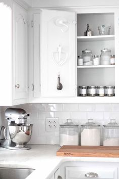 Amazing 47 Clever Things How to Organized Kitchen Storage https://decoratioon.com/47-clever-things-how-to-organized-kitchen-storage/