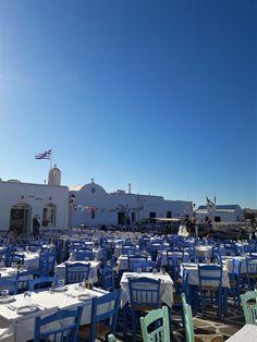 Traveling to Paros Beautiful Islands, Beautiful Beaches, Paros Island, Famous Beaches, Tourist Spots, Small Island, White Houses, Greek Islands, Seattle Skyline