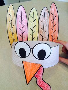 CUTE turkey hat!! Perfect for Thanksgiving!