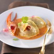 Bisque aux ravioles de homard - une recette Crustacés de fêtes et saumon - Cuisine