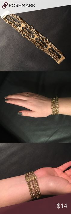 Gold Chain Bracelet Preloved but still in good condition with some small scratches around the magnetic clasp. Cute addition to any outfit! Jewelry Bracelets