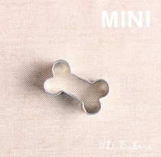 Use our mini dog cookie cutters for making tiny sugar cookies! This set comes with a mini dog, hydrant, bone and dog house. These are very little so they are perfect to use for cutting out pie crust f