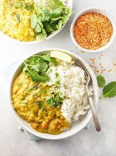 Instant Pot Red Lentil & Kale Curry This easy Instant Pot curry recipe is loaded with vegetarian protein from red lentils, and is dairy-free, thanks to the use of creamy coconut milk. Lentil Recipes, Curry Recipes, Veggie Recipes, Indian Food Recipes, Vegetarian Recipes, Cooking Recipes, Healthy Recipes, Cooking Kale, Lentil Dahl
