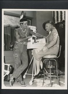 Ginger Rogers and Cornel Wilde It Had to be You! Betty Garrett, Gene Barry, Westerns, A Fine Romance, Fred And Ginger, Ginger Rogers, Partner Dance, Fred Astaire, On Set