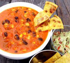 Veganmisjonen: Tacosuppe med sorte bønner og mais Vegetarian Recipes, Cooking Recipes, Cheeseburger Chowder, Thai Red Curry, Nom Nom, Food And Drink, Soup, Vegan, Ethnic Recipes