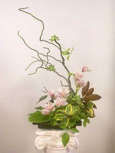 Risultati immagini per ikebana arte floral japones Ikebana Arrangements, Ikebana Flower Arrangement, Beautiful Flower Arrangements, Floral Arrangements, Arte Floral, Deco Floral, Floral Design, My Flower, Flower Art