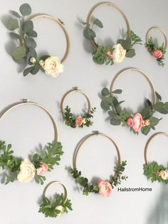 Hallstrom Home: Making Hoop Wreaths for Spring Tags: Wreath front door wreath party wreath hoop wreath DIY wreath wedding? Wine Bottle Crafts, Mason Jar Crafts, Mason Jar Diy, Wedding Wreaths, Wedding Decorations, Couronne Diy, Embroidery Hoop Crafts, Embroidery Hoop Nursery, Wedding Embroidery