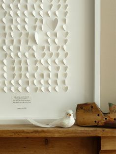 Mural de corações de papel