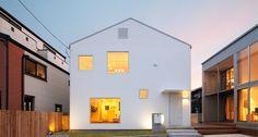 Muji Window House by Kengo Kuma Casa Muji, Facade Design, House Design, Villa Savoye, Japanese Style House, Japanese Design, Muji Home, Muji Style, Facade House