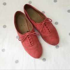 Faux Suede Oxfords Pre-loved blush lace up oxfords. A couple hardly noticeable scuffs of dirt should be easy enough to wipe clean. Price firm unless bundled. ALDO Shoes Flats & Loafers