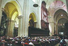 Multitudinario y emotivo concierto inaugural del nuevo órgano, que llenó por completo el aforo del templo (16/06/2013)
