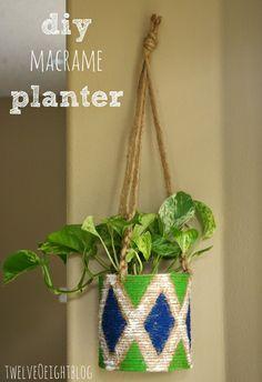 Easy DIY macrame hanging planter #macrame #diy #planter #moderndecor