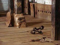 Instrumentos de tortura do período da escravidão no Brasil. - Fazenda Santa Clara, documentário do acervo histórico dos instrumentos de tortura aplicado nos escravos. YouTube