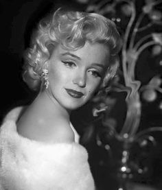 ★ Marilyn Monroe ♡ Old Hollywood ★ Norma Jean Marilyn Monroe, Marilyn Monroe Photos, Brigitte Bardot, Pin Up, Greta, Marlene Dietrich, Norma Jeane, Jolie Photo, Old Hollywood Glamour