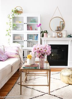 Decor report: why you need a Moroccan berber rug like now (The Decorista) Living Room Remodel, Living Room Decor, Living Rooms, Bedroom Decor, Morrocan Decor, Moroccan Berber Rug, Living Magazine, Deco Furniture, Furniture Ideas