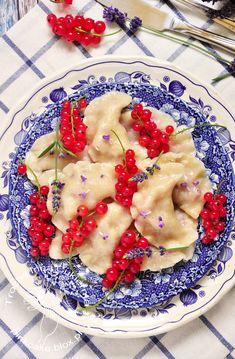 Pierogi z porzeczkami i lawendą.   Sweet dumplings with red currant and lavender.