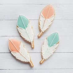 """1,526 Likes, 12 Comments - Natalia Campbell (@cookielicious_nz) on Instagram: """"Video tutorial on how to decorate a simple feather cookie Music for this video is by Bensound…"""""""