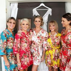 5 bridesmaids robes Hand Made to order Kimono gift getting ready Bridal shower party favors Wedding photo prop My Hershey Wedding Floral Bridesmaid Dresses, Bridesmaid Robes, Brides And Bridesmaids, Bridesmaid Jewelry, Wedding Photo Props, Wedding Photos, Wedding Ideas, Wedding Goals, Wedding Things