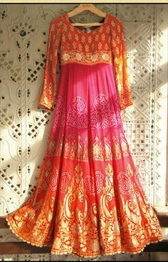 can be made out of a lagdi patta bandhani saaree India Fashion, Ethnic Fashion, Asian Fashion, Women's Fashion, Fashion Trends, Indian Attire, Indian Wear, Indian Dresses, Indian Outfits