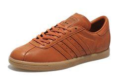 Adidas Originals Tobacco. Le storiche Adidas Originals Tobacco in pelle, realizzate per la prima volta nel 1978, si possono acquistare in esclusiva solamente su size? Via think.bigchief.it