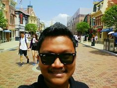 I rarely take #Selfie but when I visited HK Disneyland, I secured one! #mobileMonday http://pic.twitter.com/gsV6KjBkQh
