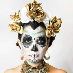 #floralcrown #dayofthedead #sugarskull #diadelismuertos #mua #makeup #sincerelyglamour This item is in my Etsy shop https://www.etsy.com/listing/517458593/gold-white-rose-floral-crown