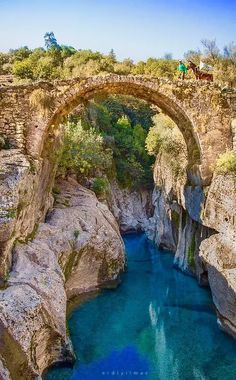 Article & Content Page Wonderful Places, Great Places, Places To See, Beautiful Places, Places To Travel, Travel Destinations, Turkey Destinations, Turkey Places, Old Bridges
