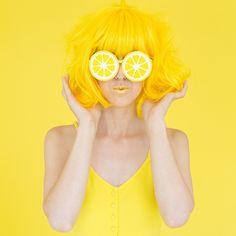 Sou linda , e amo yellow em português amarelo