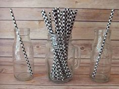 Checker Flag Paper Straws Perfect to go with your drinks. Mix and Match several colors or designs to match your theme. Great for wedding Nascar Party, Race Car Party, Race Car Birthday, 5th Birthday Party Ideas, Third Birthday, Hot Wheels Birthday, Hot Wheels Party, Disney Cars Party, Disney Cars Birthday