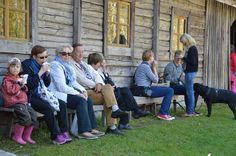 Myös kiltit koirat ovat Turkansaaressa toivottuja vieraita. Luuppi, Oulu (Finland)