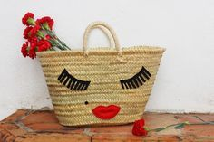 5 ways to customize a carrying case: FELT - Diy Fabric Basket Sac D'art, Art Bag, Boho Bags, Basket Bag, Summer Bags, Felt Diy, Handmade Bags, Diy Painting, Straw Bag
