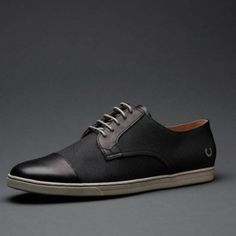 Fred Perry Laurel Collection Higgs in Black Waxed Canvas