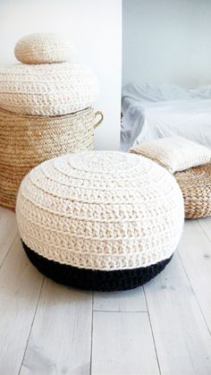 Image of Crochet pouf thick wool - Natural undyed and black