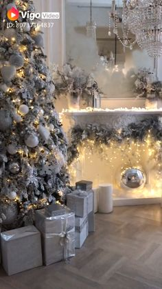 Weihnachtsdeko White & Silver Chritsmas Theme Various Types Of Flooring For Homes Floors are usually Elegant Christmas Trees, Silver Christmas Decorations, Silver Christmas Tree, Christmas Room, Christmas Mantels, Christmas Tree Themes, Victorian Christmas, Christmas Decorating Themes, Christmas Villages