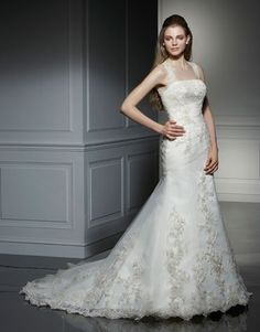 Anjolique Ivory Tulle Textured Organza Lace 2022 Vintage Wedding Dress Size 10 (M) off retail Stunning Wedding Dresses, Used Wedding Dresses, Designer Wedding Dresses, Beautiful Dresses, Bridal Gowns, Wedding Gowns, Lace Wedding, Wedding Shoppe, Satin