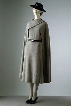 Another interesting cloak possibility.  Day dress and cape      1933       Madeleine Vionnet