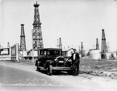 1926-Car and Oil Fields