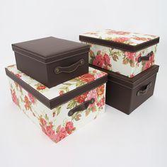 Kit c/ 4 peças Florence Mix Boxmania - Kit com 4 caixas organizadoras de cardboard, sendo duas revestidas de tecido floral e duas revestidas de couro ecológico marrom.