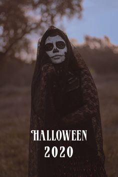 Enjoy our list of must see halloween movies. 🕸 Halloween Movies, Scary Movies, Halloween Night, Halloween 2020, Morticia Addams Costume, Darth Vader, Entertainment, Good Things, Costumes