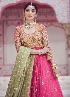 Pakistani Fancy Dresses, Beautiful Pakistani Dresses, Desi Wedding Dresses, Pakistani Party Wear, Pakistani Wedding Outfits, Beautiful Dresses, Designer Party Wear Dresses, Indian Designer Outfits, Beautiful Women Videos