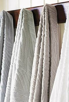 Indulge your senses in a spa-like bath experience every day with the Seychelles Sculpted Bath Towels that boast beautiful sculpted designs and soft hues to enrich any décor.