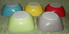 Vintage Agee Pyrex Square pudding/condiment Bowls made in Australia
