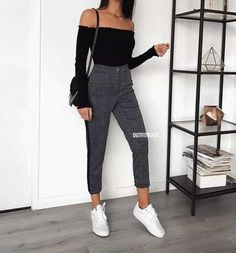Autumn outfits Trendy outfits ideas for Winter style outfits Women Fashion Winter Outfits Fall Style Fashion Outfits Look Fashion, Teen Fashion, Autumn Fashion, Fashion Outfits, Womens Fashion, Fashion Trends, Fashion News, Feminine Fashion, Fashion Mode