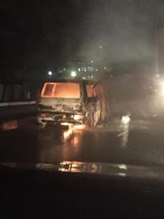 e-Talk9ja: Photos: Bus Catches Fire along VI, Fire Service cu...
