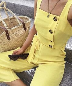 Delay turtleneck season one 😅 more 😅 day 😅 by dressing up as sunshine 🌞 📸 🔎 New Look jumpsuit Style Outfits, Cool Outfits, Summer Outfits, Casual Outfits, Fashion Outfits, Womens Fashion, New Look Jumpsuit, Yellow Jumpsuit, Mode Monochrome