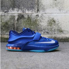 Kids Nike Kevin Durant Gym Blue - $115 Kids Sneakers, All Black Sneakers, Kd 7, Blue Nike, Footwear, Gym, Kevin Durant, Retro, Silver
