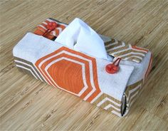 Fabric tissue box cover tutorial by TinyCarmen