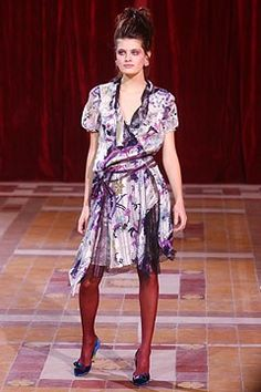 Christian Lacroix Fall 2004 Ready-to-Wear Fashion Show - Isabeli Fontana (Next)