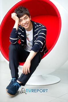 이승기 주연 MBC '구가의서', '마의' 후속 편성 확정 Lee Seung Gi 이승기 李昇基 Lee Seung Gi, Korean Guys, Korean Actors, You're All Surrounded, The King 2 Hearts, Brilliant Legacy, Gumiho, Lee Sung, Dimples